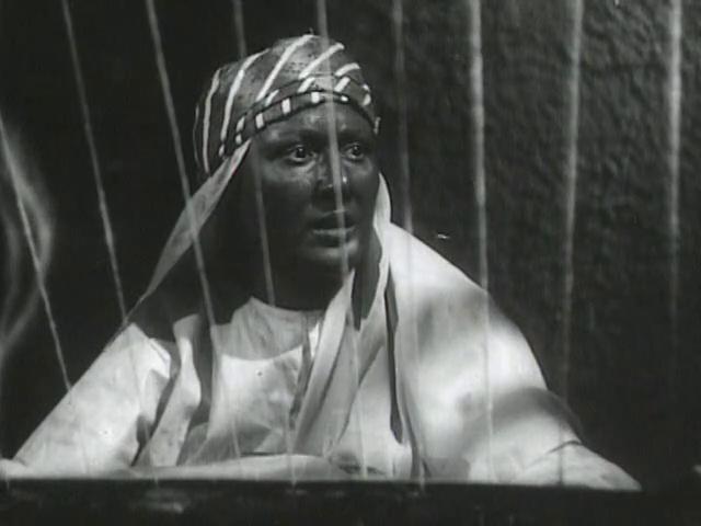 صورة 1 من فيلم بلال مؤذن الرسول - عزيزة حلمي -