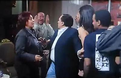 صورة 92 من فيلم السفارة في العمارة - أسامة أبو العطا - داليا البحيري - هناء عبد الفتاح - عادل إمام - لطفي لبيب - هناء عبد الفتاح -