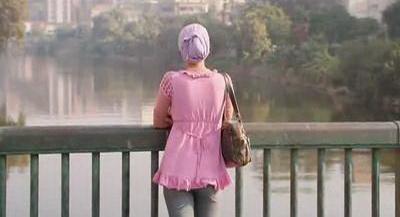 صورة 40 من فيلم فتاة المصنع - ياسمين رئيس -